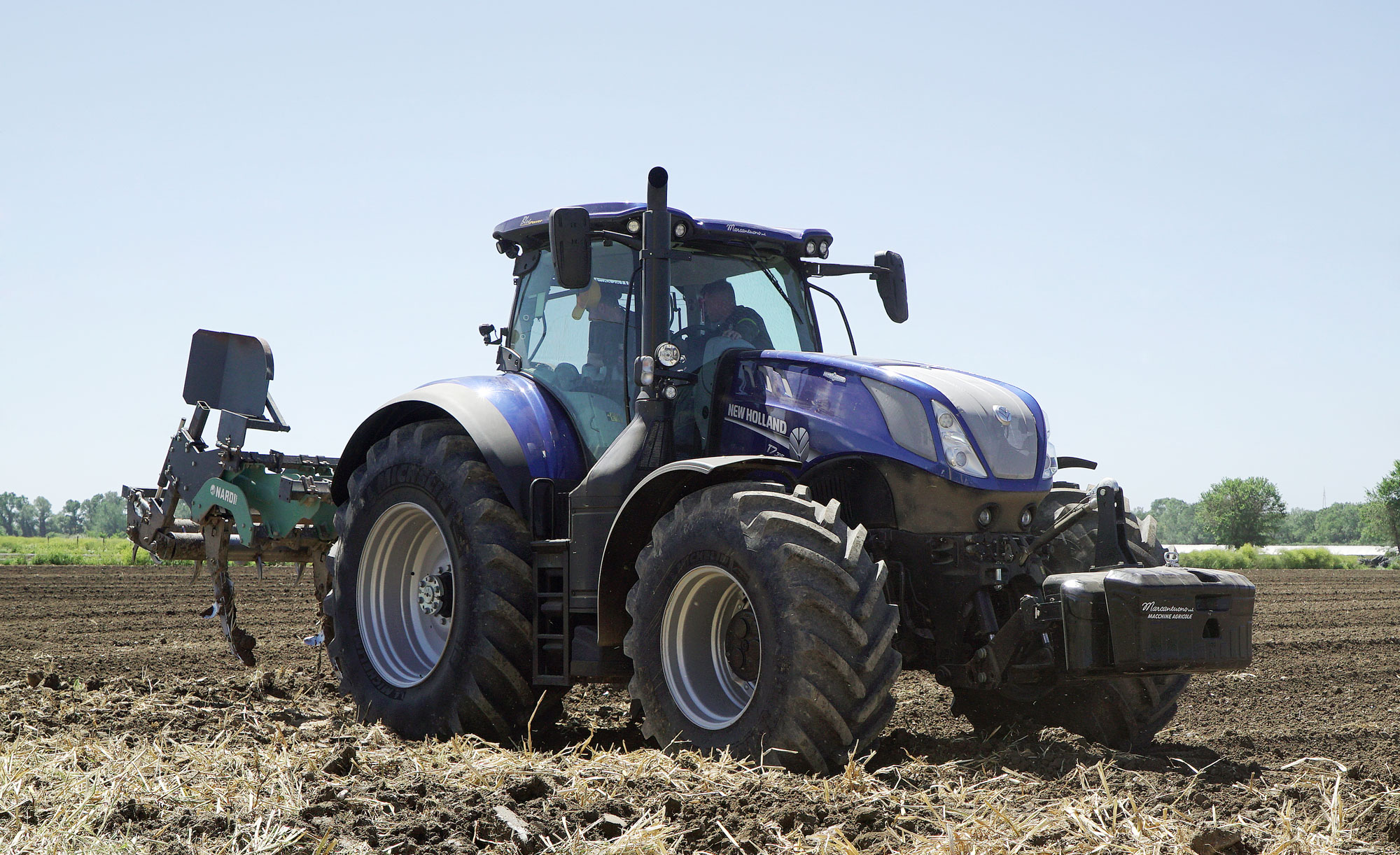 foto trattori new holland